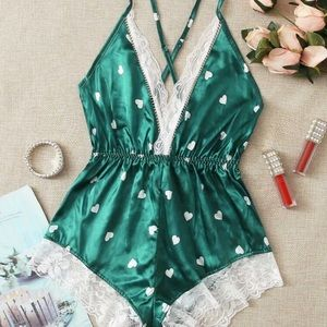 Other - 🎉HP🎉green heart lace lingerie